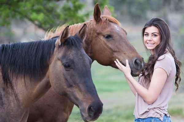 Tiernahrungsergaenzung-pferd-200411102629